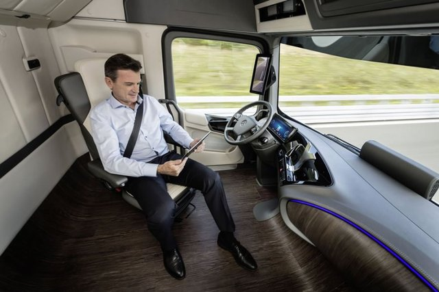 http://www.knoxnews.com/business/experts-driverless-trucks-would-ease-shortage-create-efficiencies_23845712
